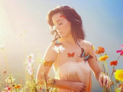Katy Perry disegna una linea di gioielli per CLAIRE'S
