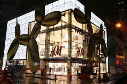 Jeff Koons in collaborazione con H&M